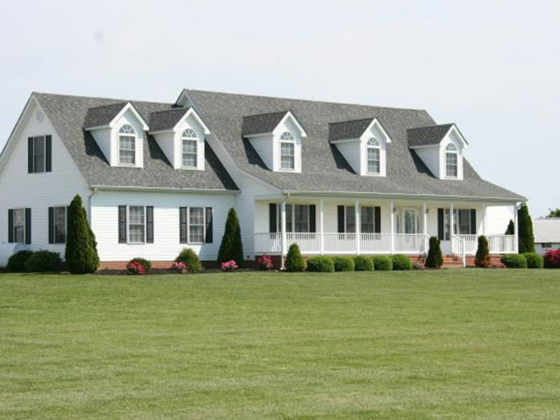 Traditional two story home with covered front porch, constructed by H&H Builders, Inc.