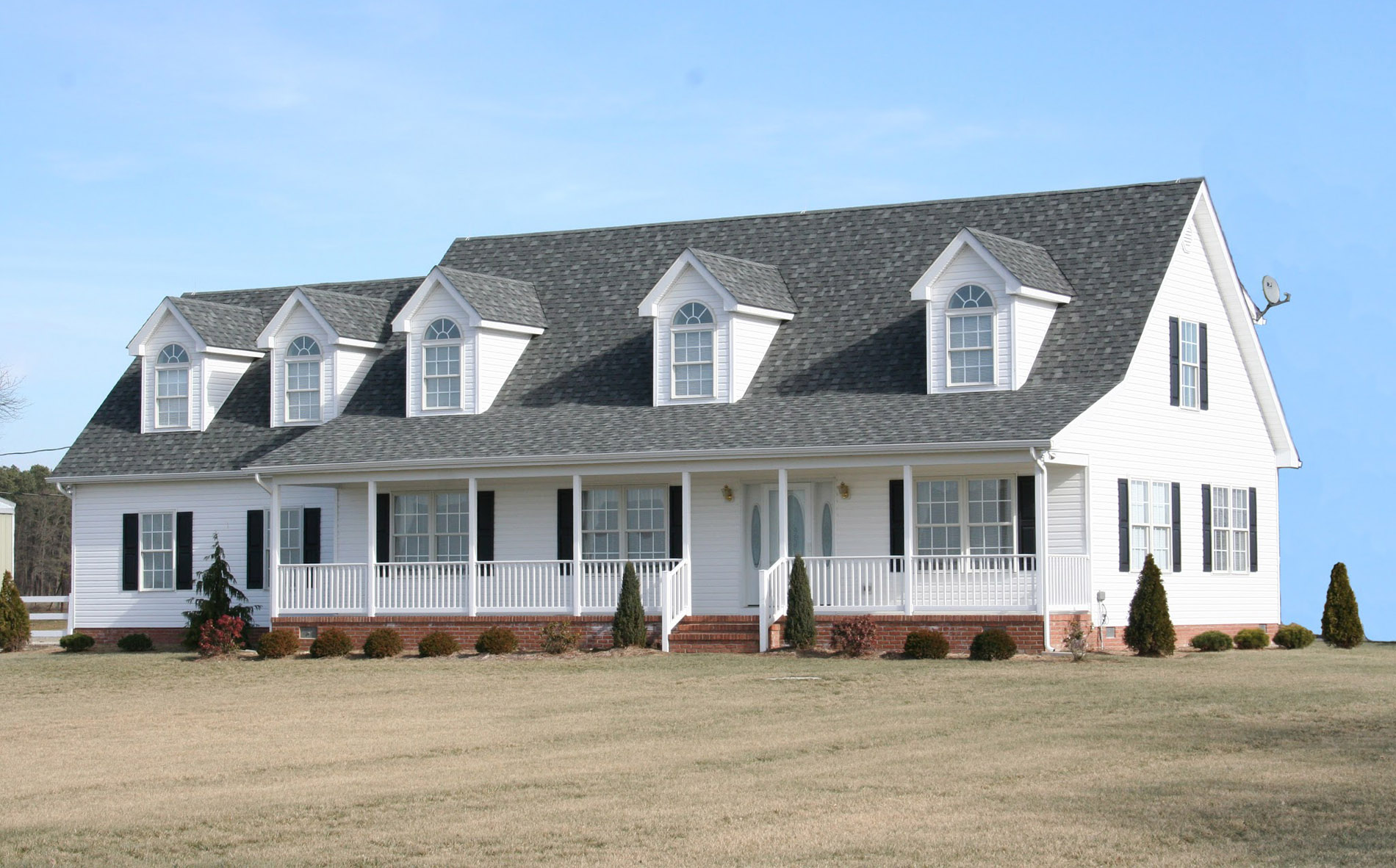 Traditional two-story home in Delmarva built by H&H Builders, Inc.